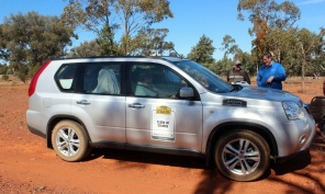 Nissan X-Trail at a control on the 2010 Classic Outback Trial