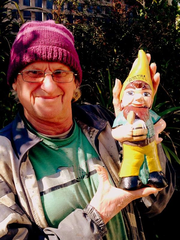 COT 2014 gnome and Rob Cranston of Boutique Statue Artistry