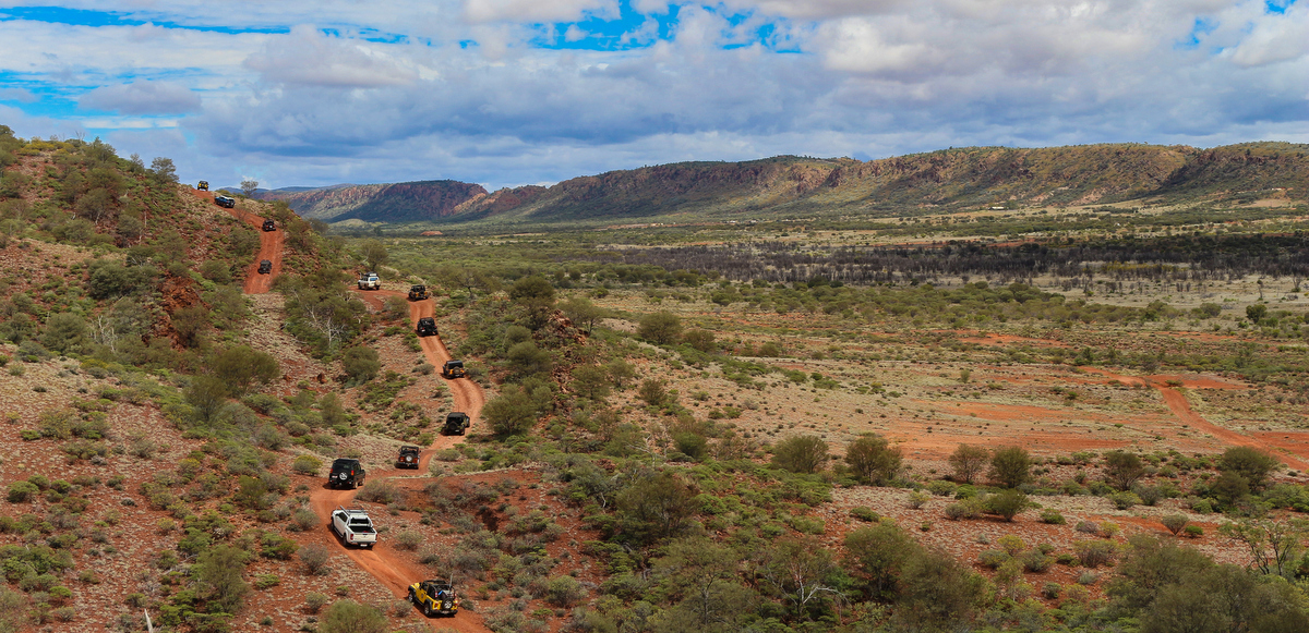 4WD tagalong touring near Alice Springs